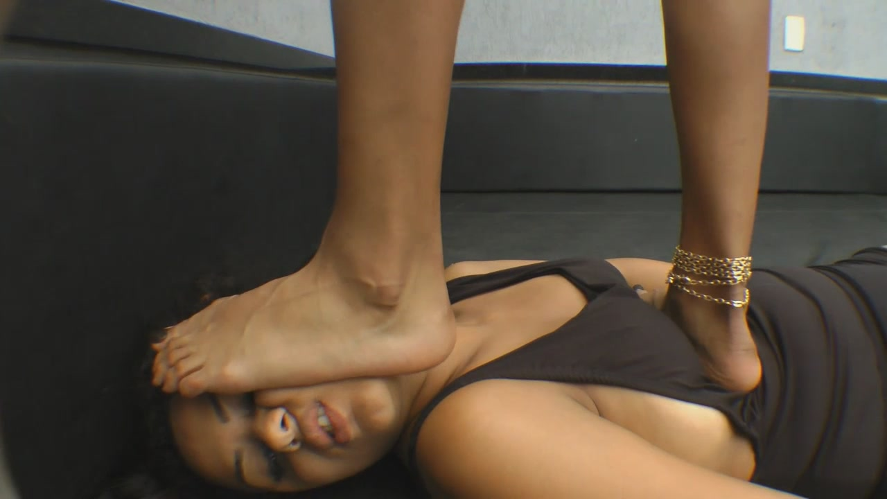 MFTR-0039-SQUEEZED UNDER THE MISTRESS FEET