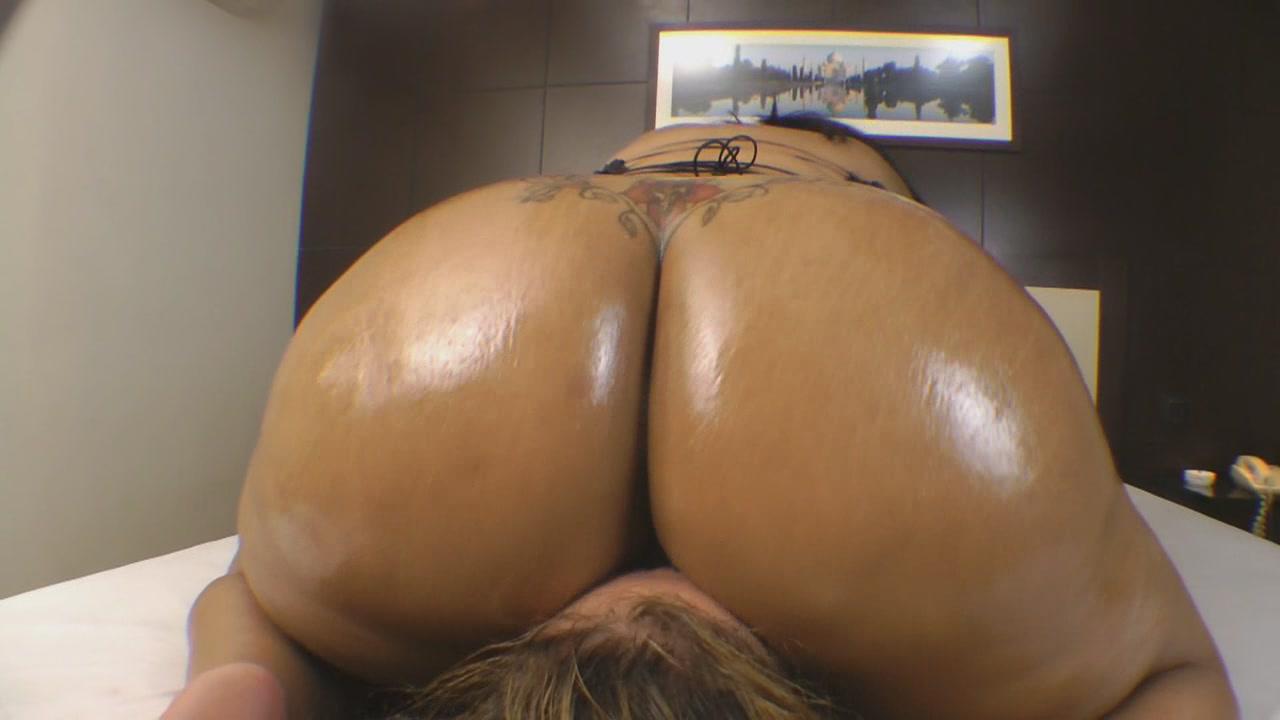Horny Milf Big Ass Orgasm