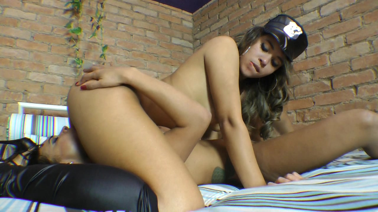 Jessica Winchester and Lola Melo Love Lesbians