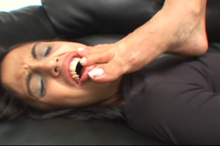 Milf Fernanda Coroa Karateka Foot Domination
