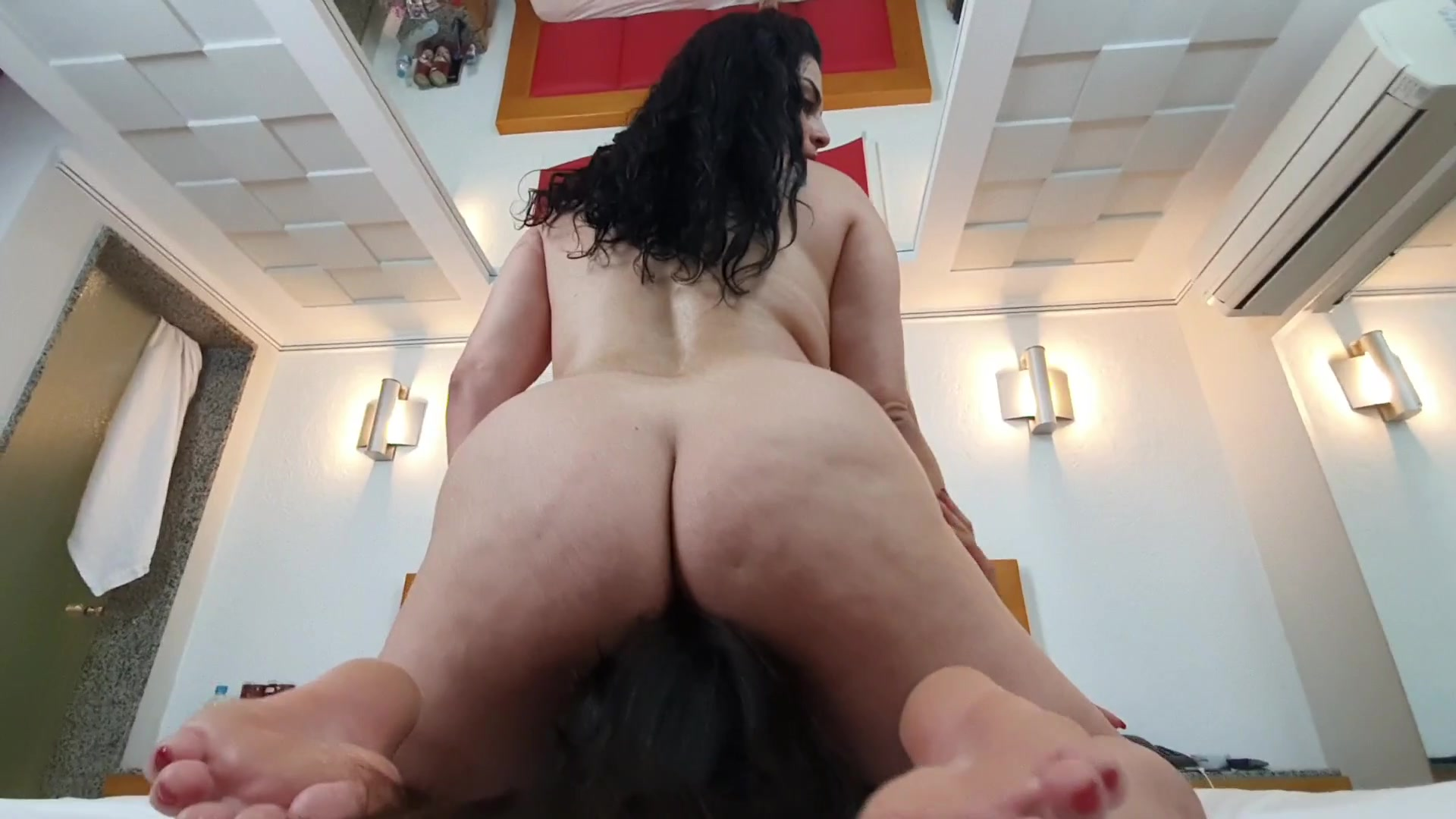 Trapped and Sucking Under Kate Becker´s Huge Ass
