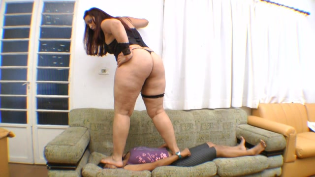 BBW Hard Face Trampling Lesson