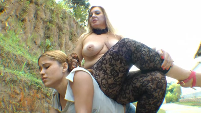 Milf Jessica Blonde Outdoor Pony Girl Ride
